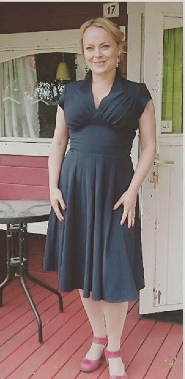 a26e7809240 En vildt fin kjole, som jeg har brugt til både et bryllup og nogle gode  fester, og bliver glad af at tage på.
