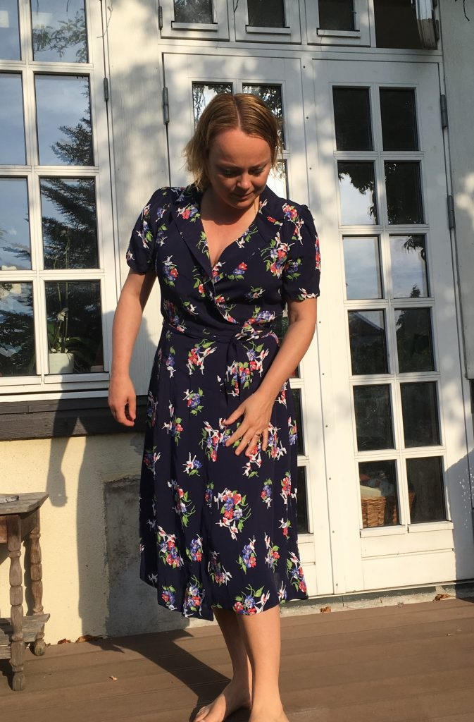 fc910354722 Mig, i slå-om kjole fra Seamstress of Bloomsbury